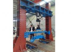 悬架系统疲劳试验机结构图